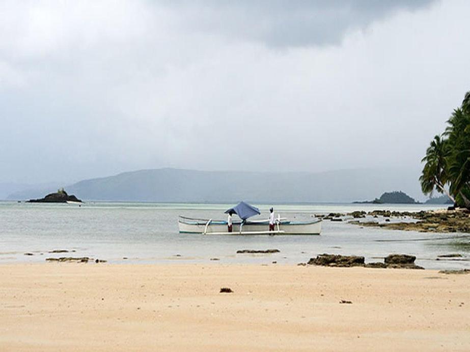 Tarzans Beach Resort, Dapa