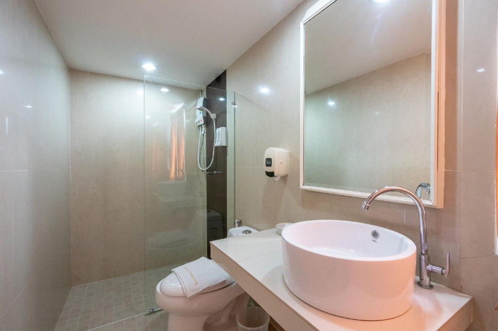 Golden House Service Apartment, Muang Rayong
