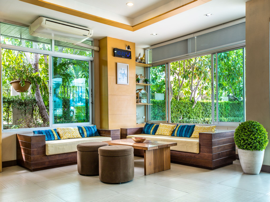 Central Place Serviced Apartment, Muang Chon Buri