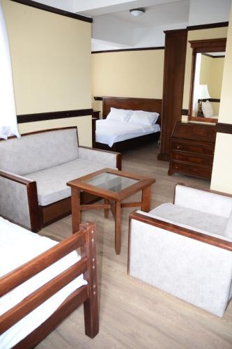 Hotel St. Naum, Pogradecit