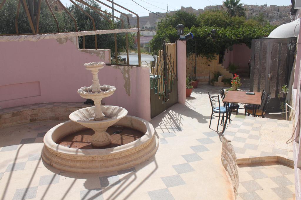 Cairwan Hotel, Qasr