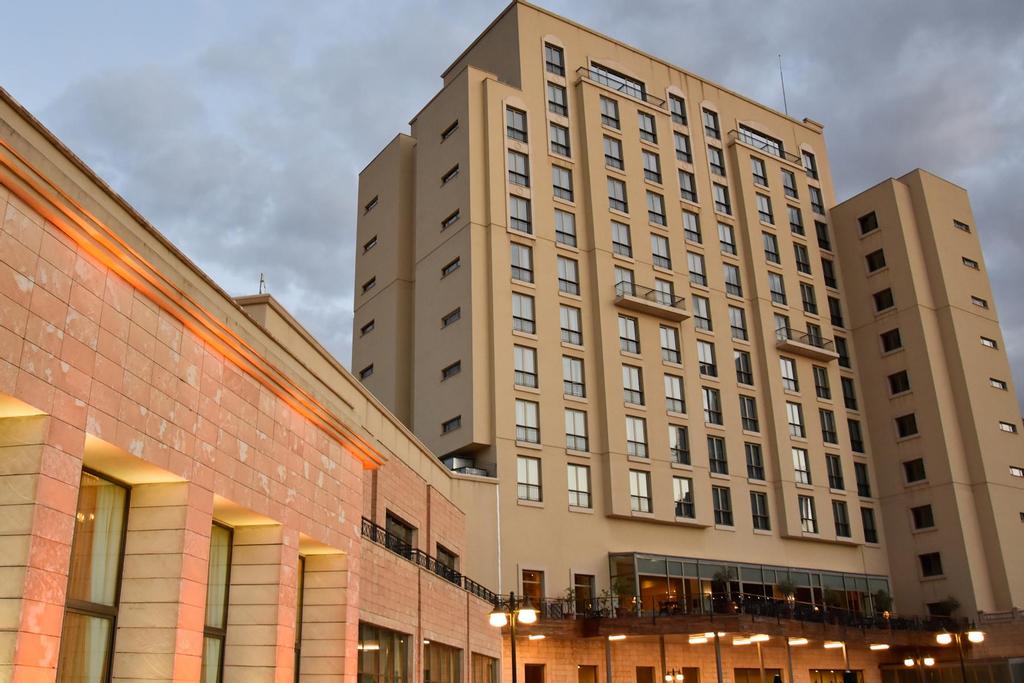 Erdoba Elegance Hotel & Convention Center, Merkez