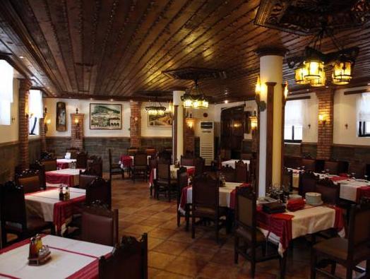 Hotel Mangalemi, Beratit