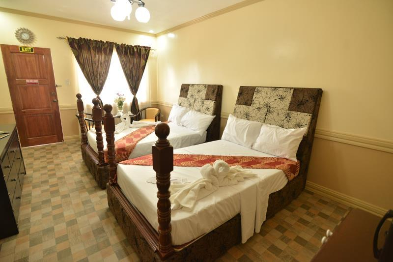 Inn and Suites at Roz and Angeliques, Kalibo