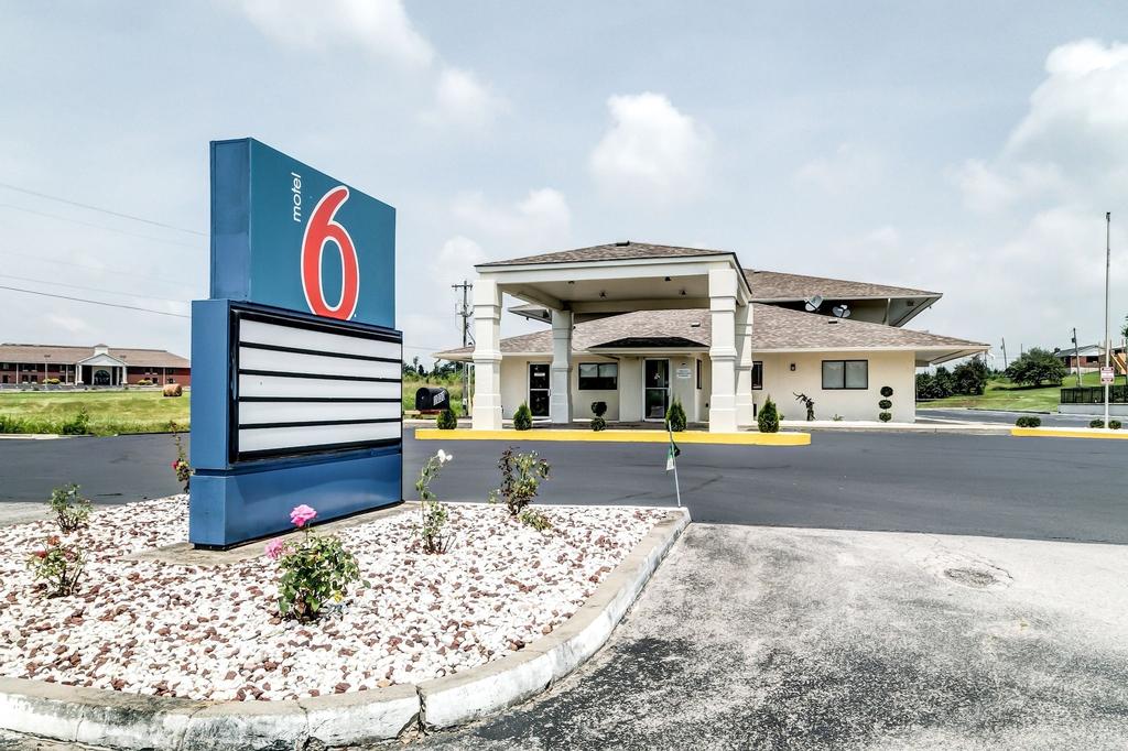 Motel 6 Berea, Madison