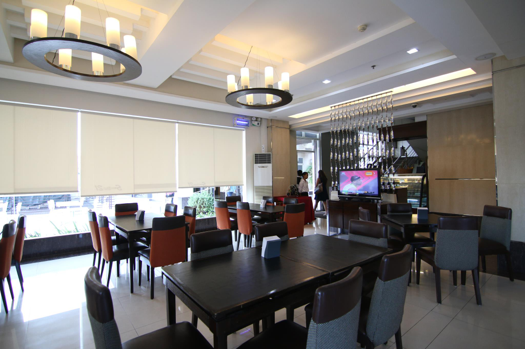 SMALLVILLE 21 HOTEL, Iloilo City