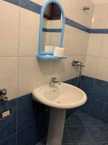 Hotel Riviera, Sarandës