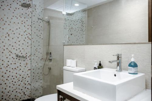 KLCC Inifinity Pool - The Regalia Residences by Cobnb, Kuala Lumpur