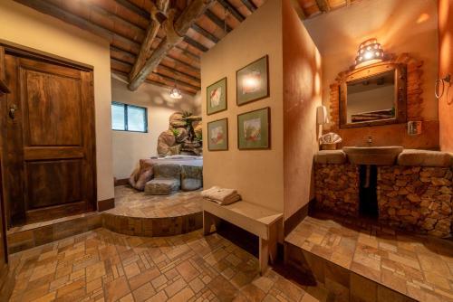 Las Cumbres Eco-Hotel, Termalismo y Spa, Zunil