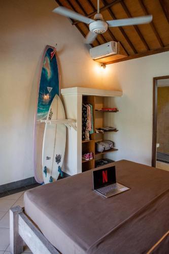Mote Surfstay, Badung