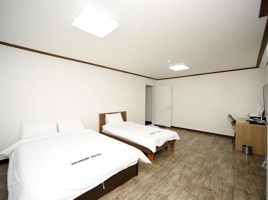 Ekonomy Hotel, Muan
