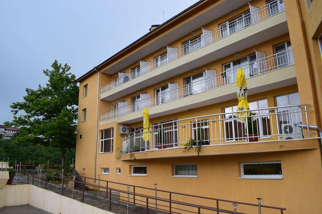 Balneo Hotel Bozhur, Mineralni Bani