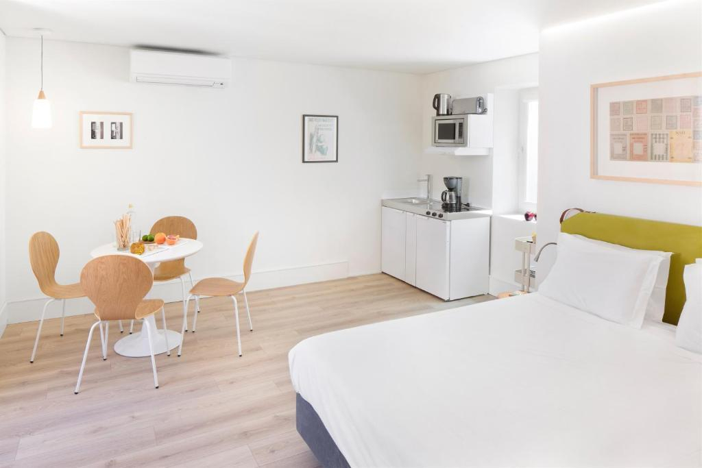 Ascensor da Bica - Lisbon Serviced Apartments, Lisboa