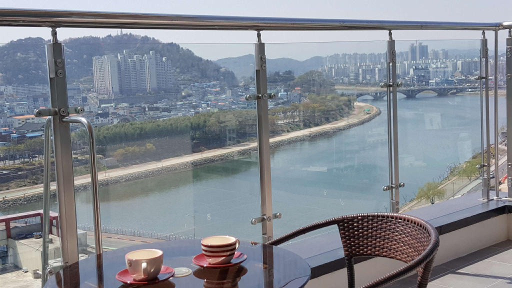 Golden Tulip Hotel Namgang, Jinju