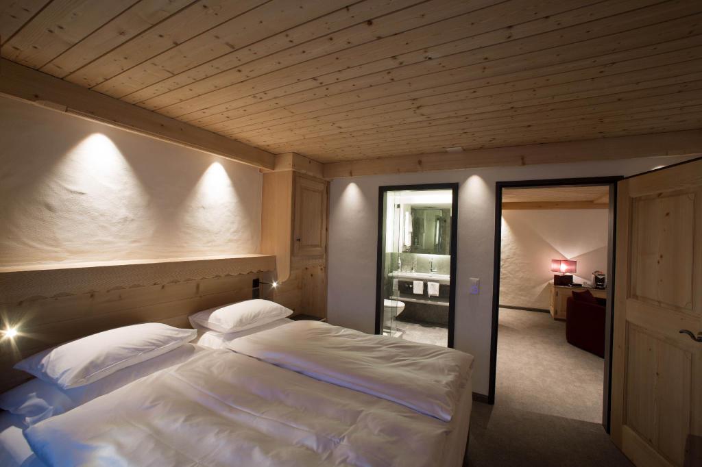 Bernerhof Swiss Quality Hotel Gstaad, Saanen