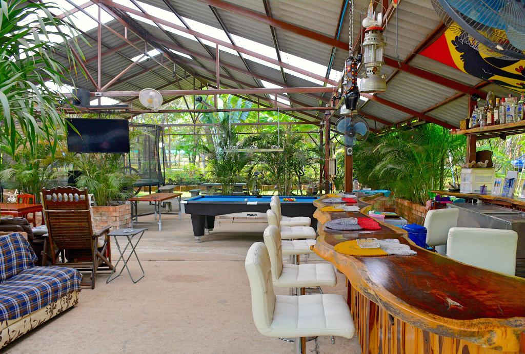 Isaan Perazim Park, Phon Thong