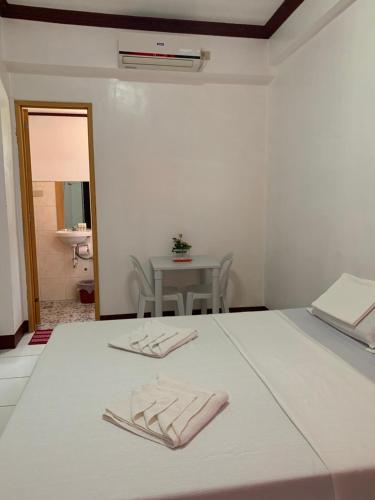First Baby Byte Guest House, Lazi