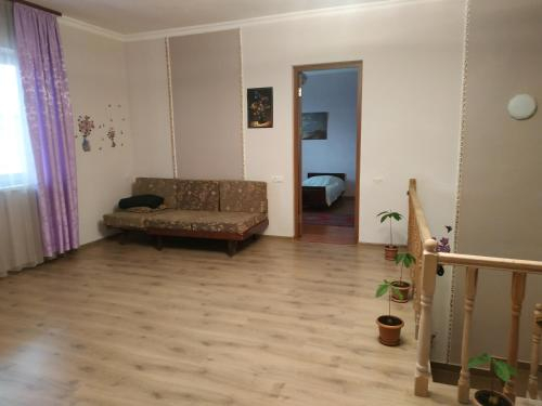In a two-storey house you can rent 3 rooms,