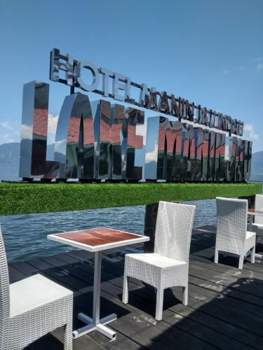Hotel Maninjau Indah - The Lakeside Resort, Agam