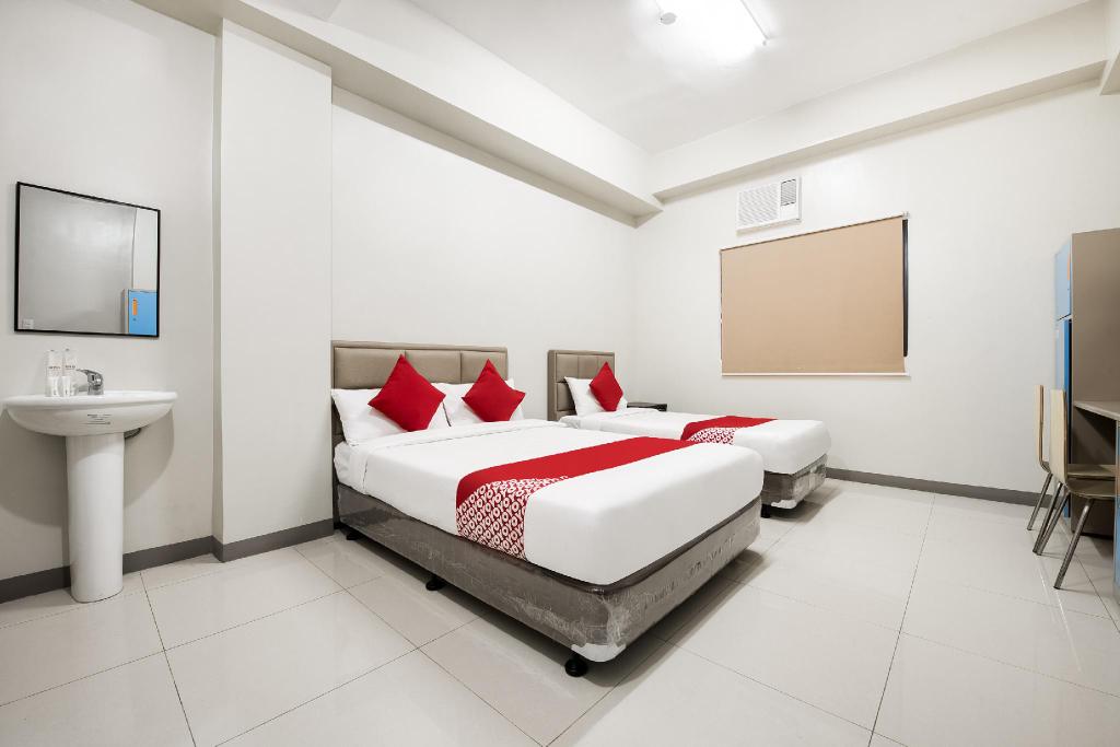 OYO 229 G Place, Manila