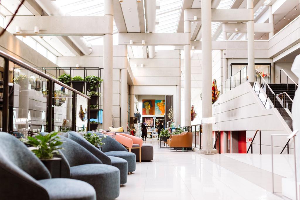 Hotel Murano, Pierce