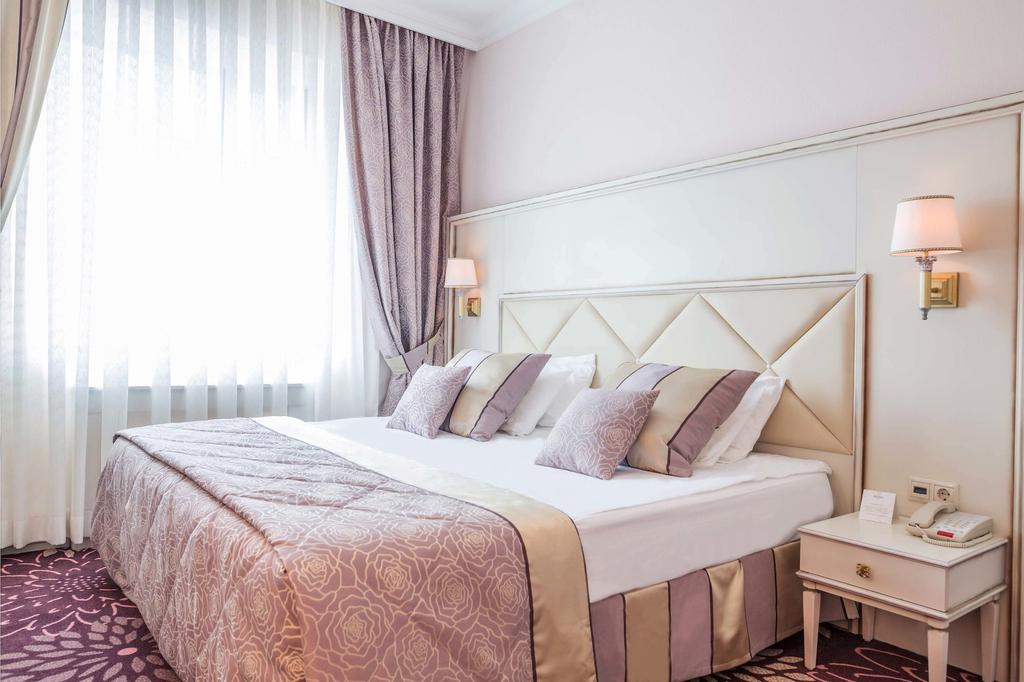 Hotel Milan, Southern