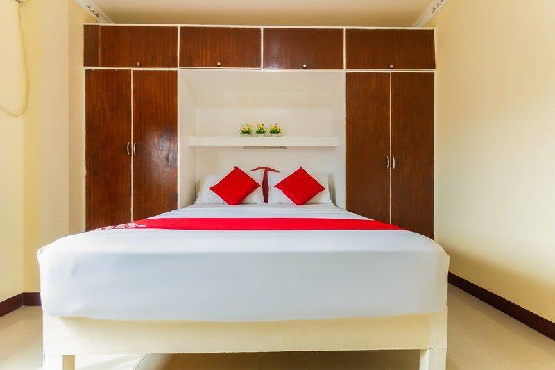 OYO 491 J & H Apartments, Cebu City
