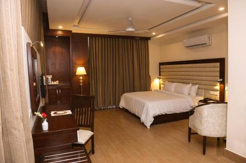 Hotel One Rahim Yar Khan Club Road, Bahawalpur