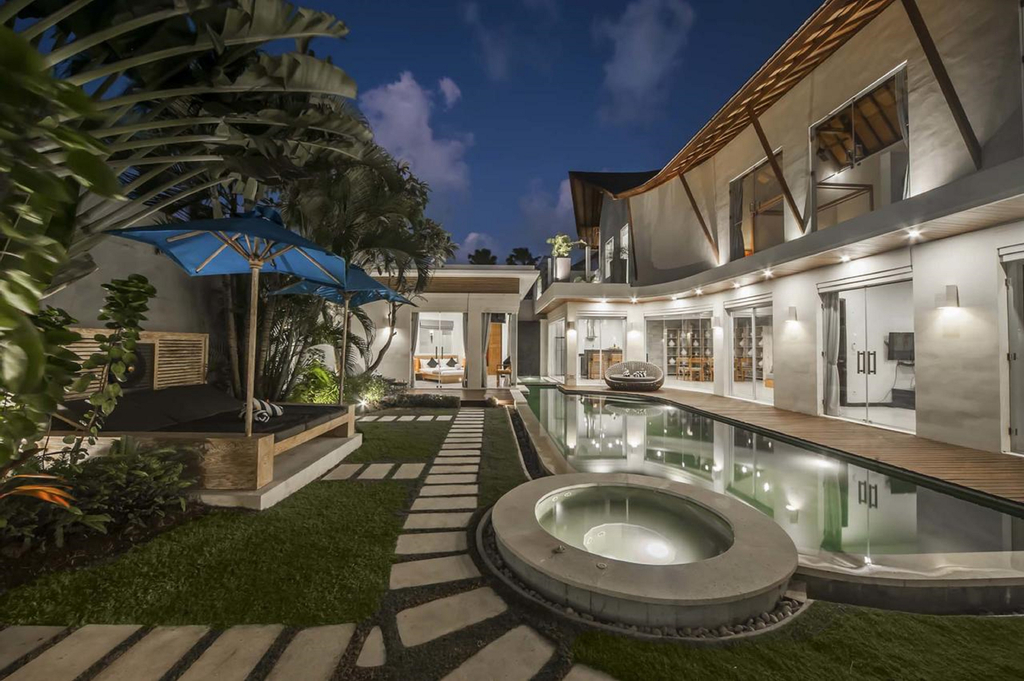 Luxury Villa Juno Seminyak, Badung
