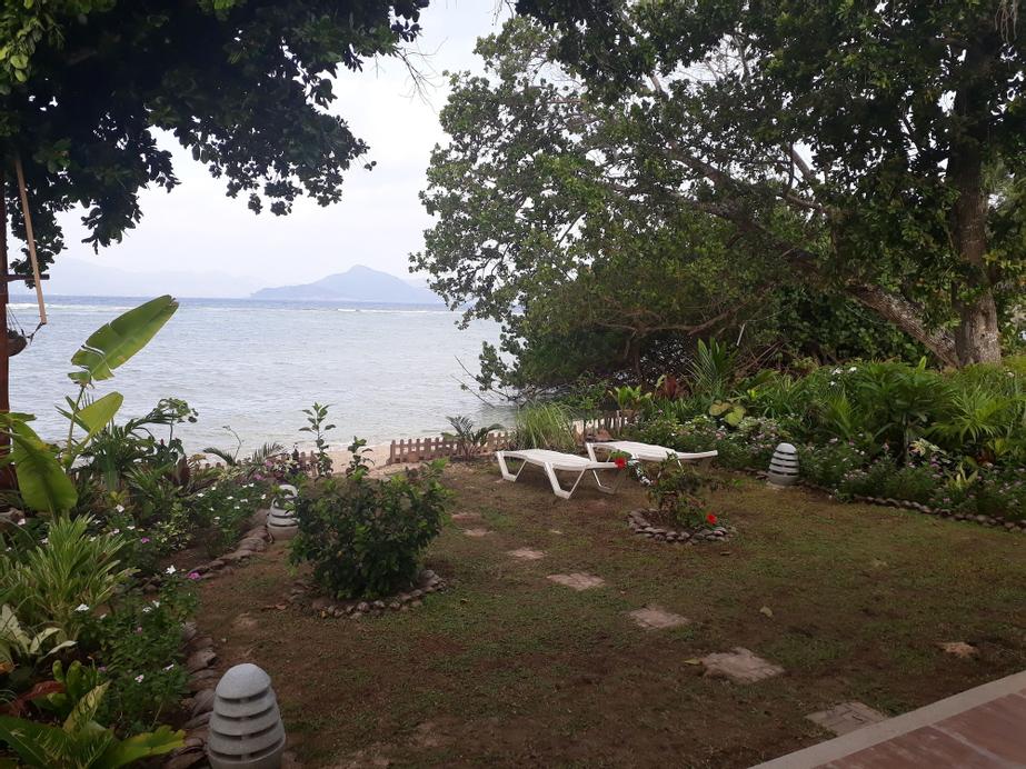 La Digue Luxury Beach Bungalow,