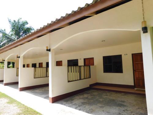 057 Resort, Sikao