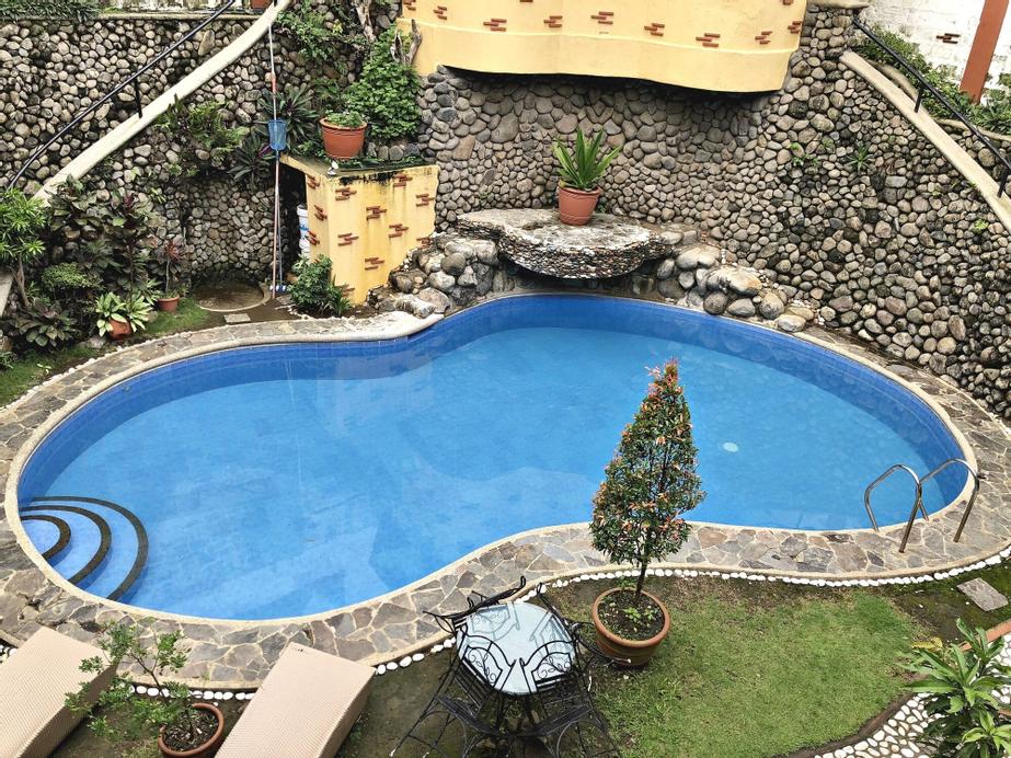 Pura Vida Resort, Tagaytay City