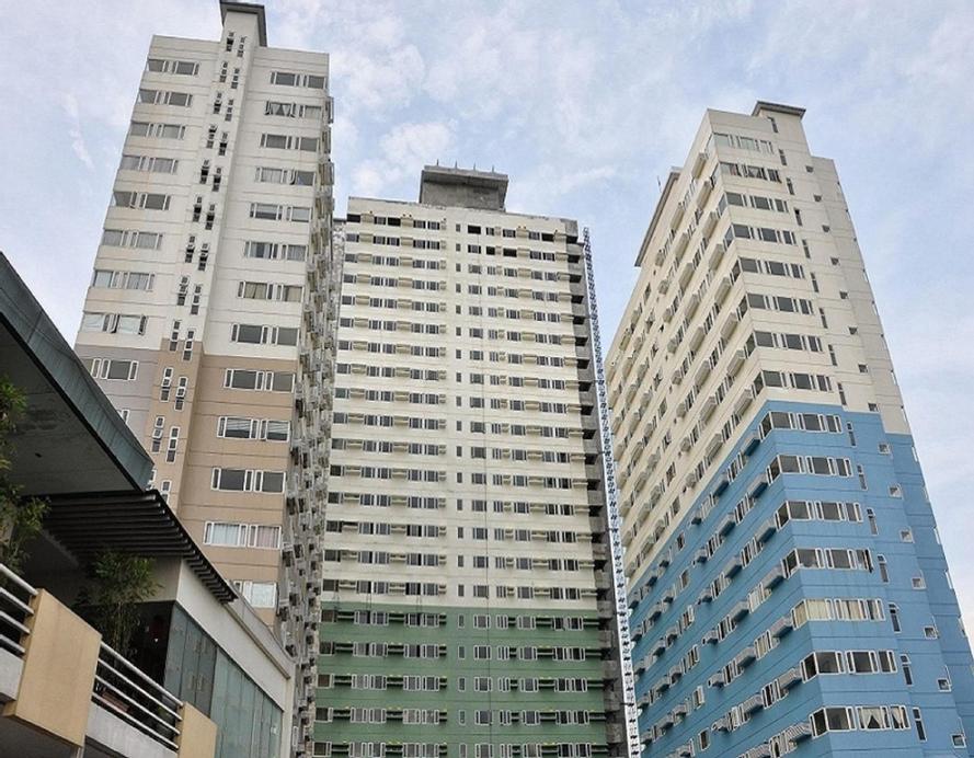 OYO 401 Ridgewood Tower, Makati City