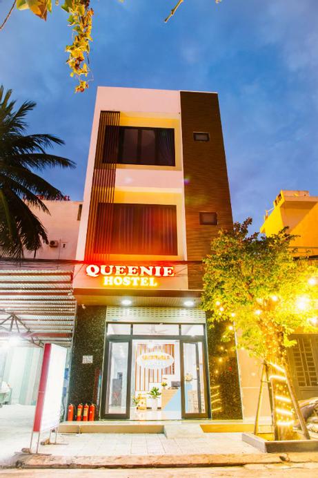 Queenie Hostel, Sơn Trà