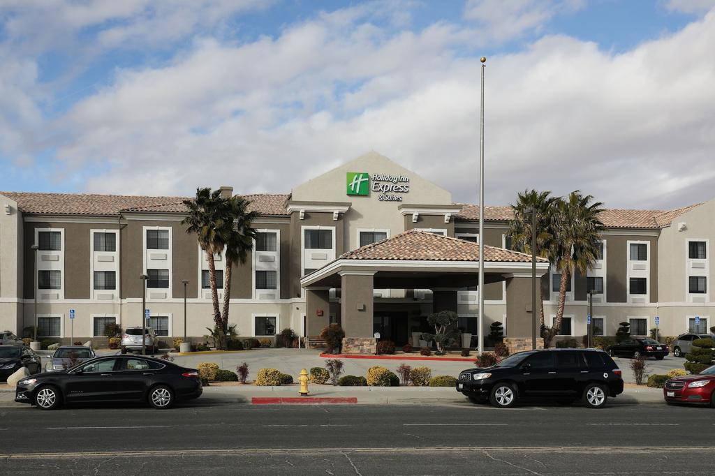 Holiday Inn Express Hotel & Suites Hesperia, San Bernardino