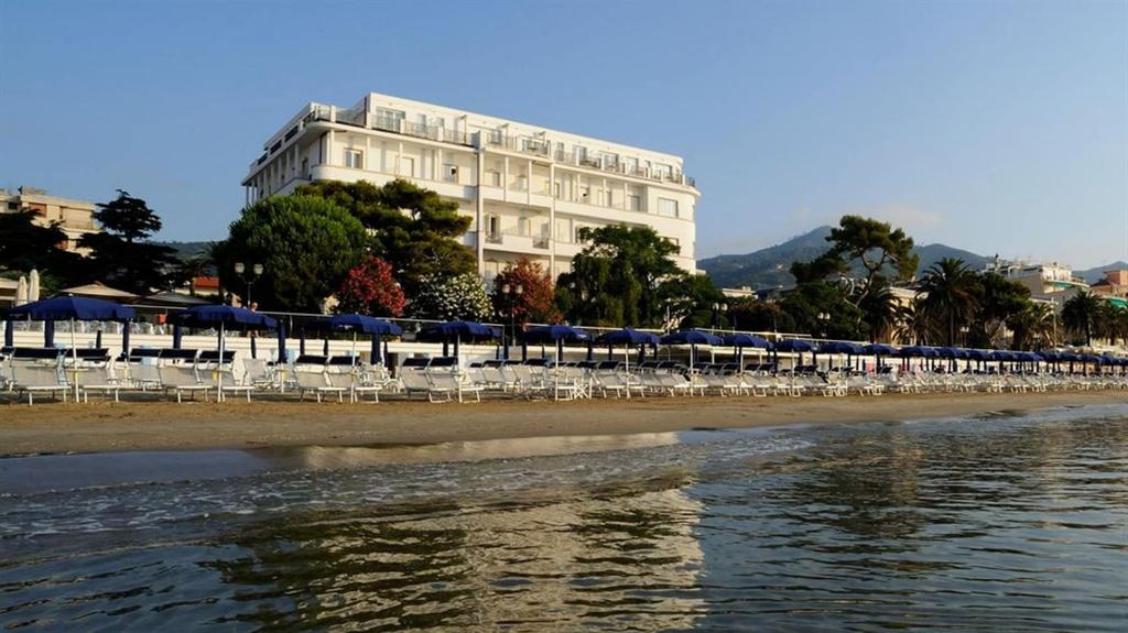 Grand Hotel Mediterranee, Savona