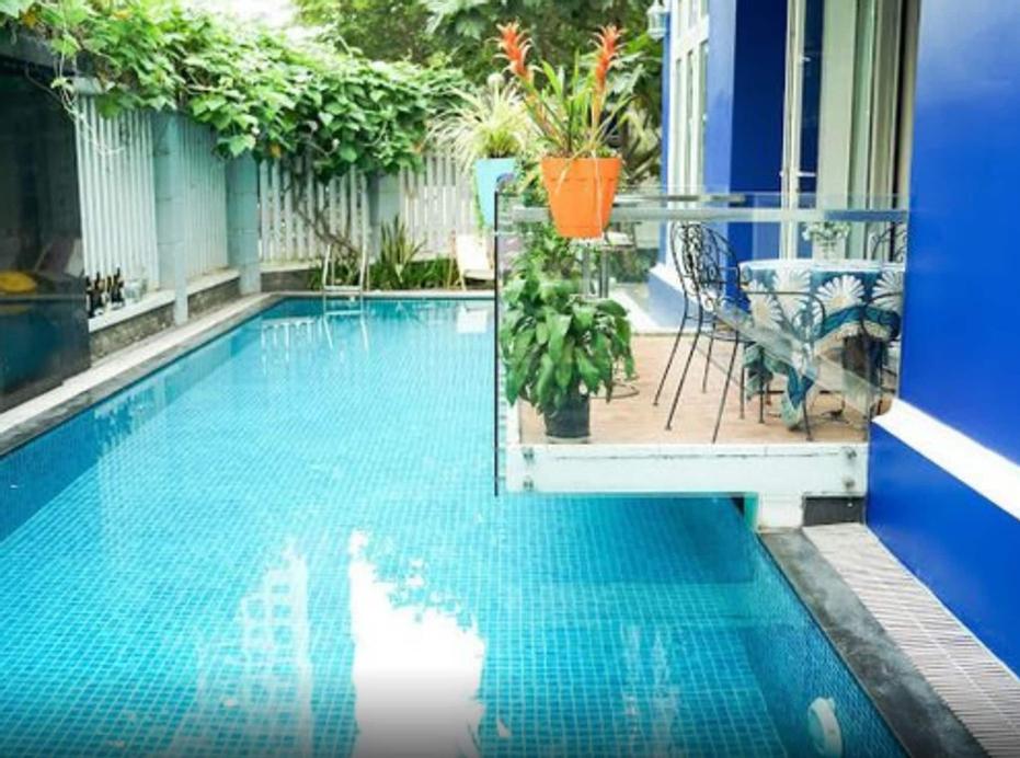 5 Bedrooms Pool Villa w Karaoke, Quận 2