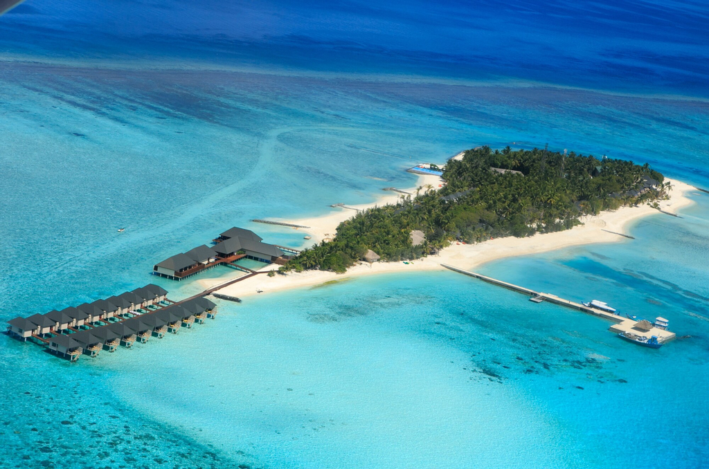 Summer Island Maldives, Malé