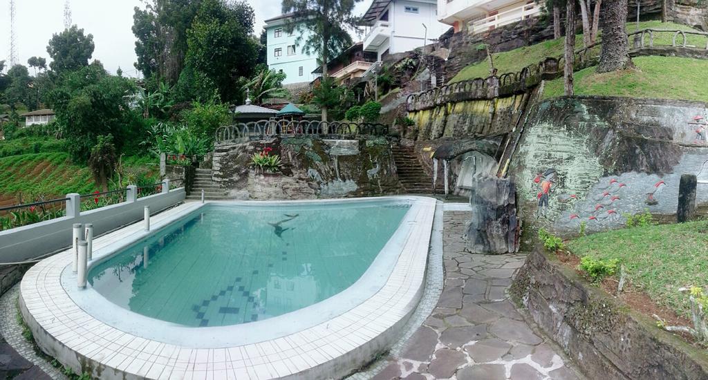 Villa Nadin 86 (Private Pool), Cianjur