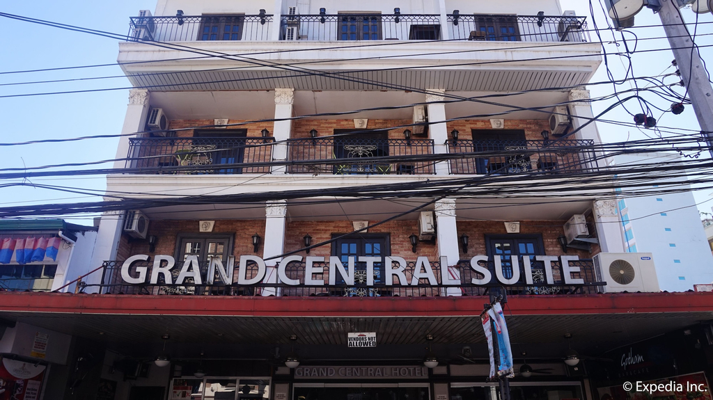 Grand Central Hotel, Mabalacat