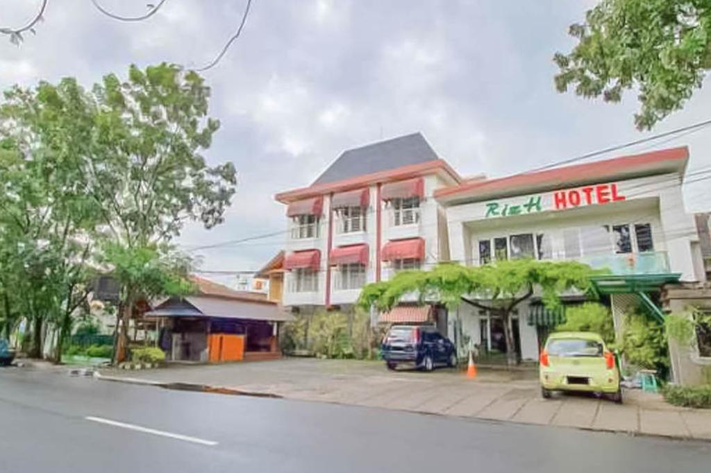 Rizh Hotel Syariah, Bandung