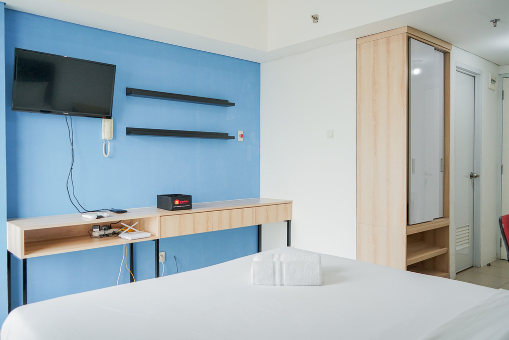 Low Floor Minimalist Studio @ Bintaro Plaza Apartment By Travelio, Tangerang Selatan