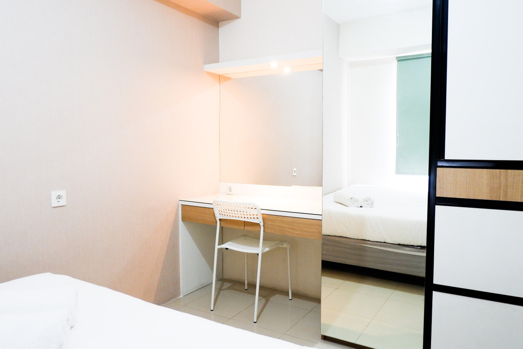 Modern and Comfy Design 2BR Bassura City Apartment By Travelio, Jakarta Timur