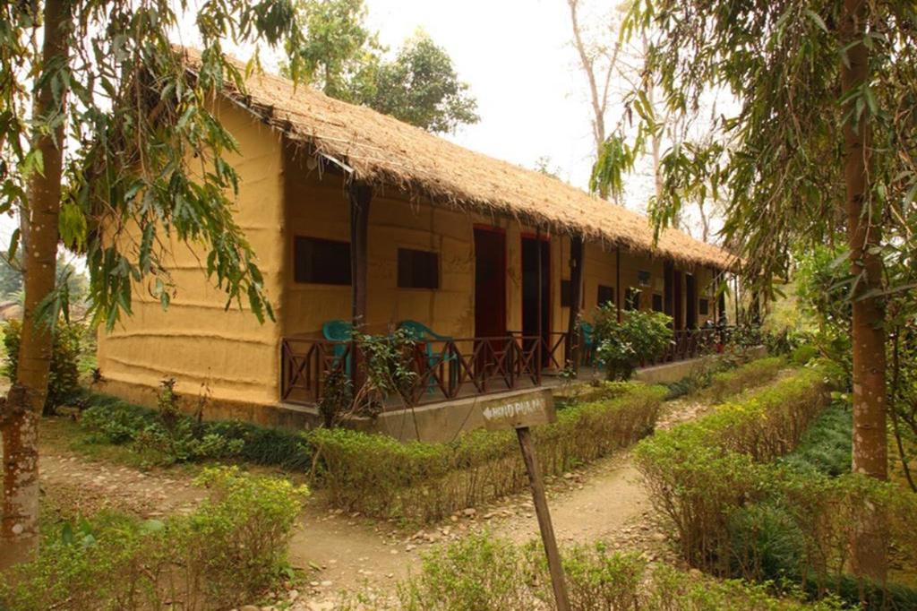 Forest Hideaway Hotel & Cottage, Bheri