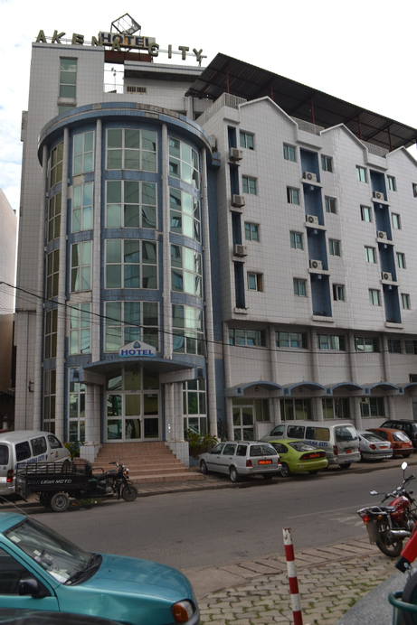 Hôtel Akena City, Wouri