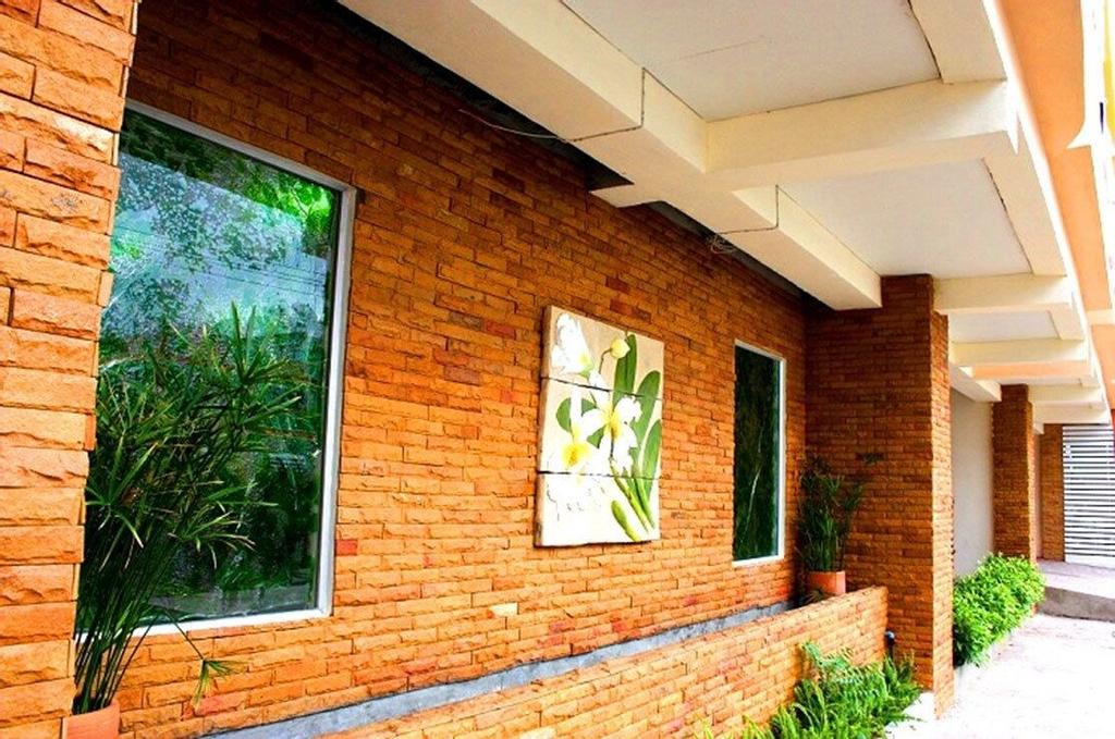 Casa Narinya at Suvarnbhumi Airport, Bang Plee