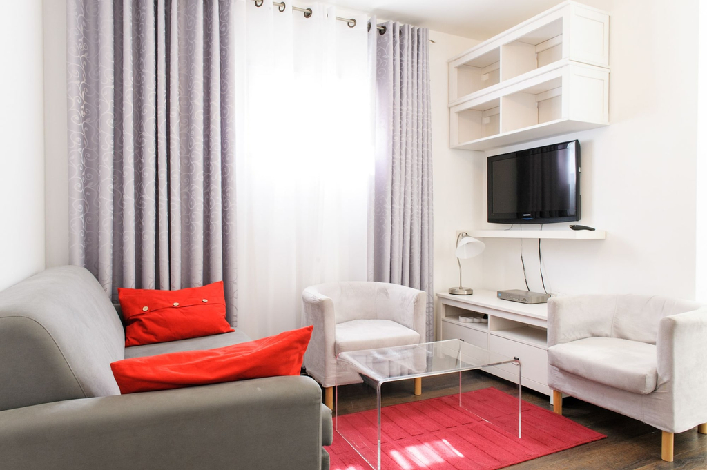 Star Apartments,