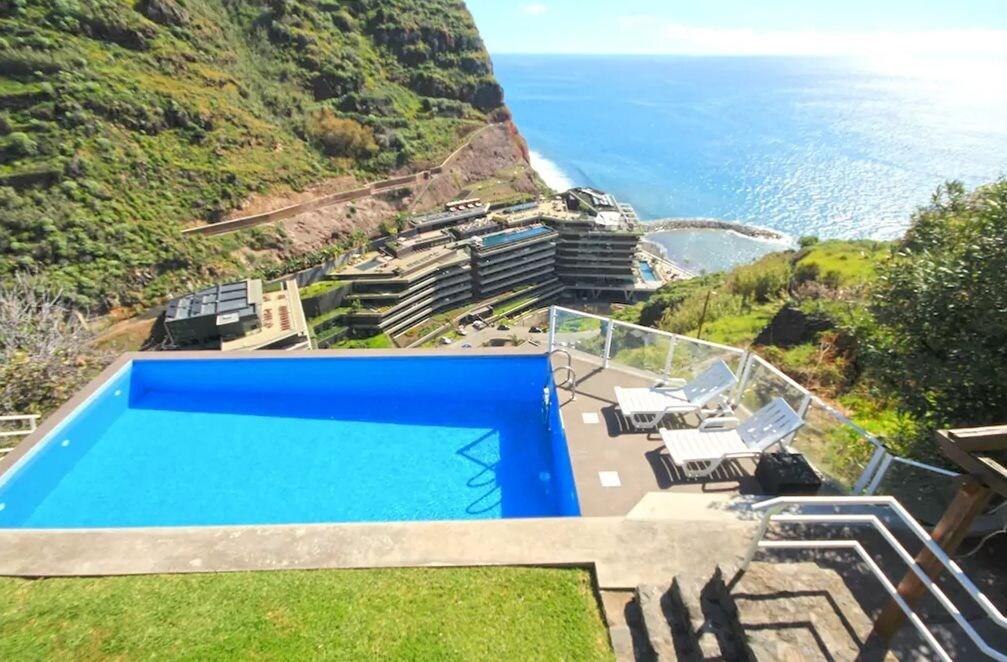 Ocean Palms Villa by ETC Madeira, Calheta