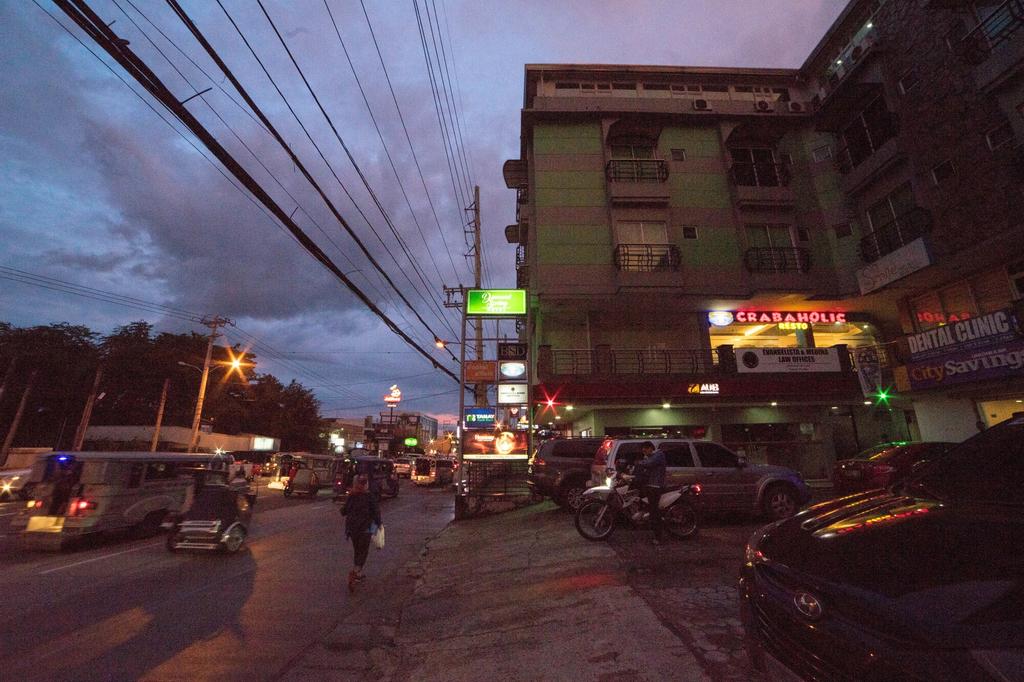 RedDoorz Plus @ Balibago Angeles City, Mabalacat