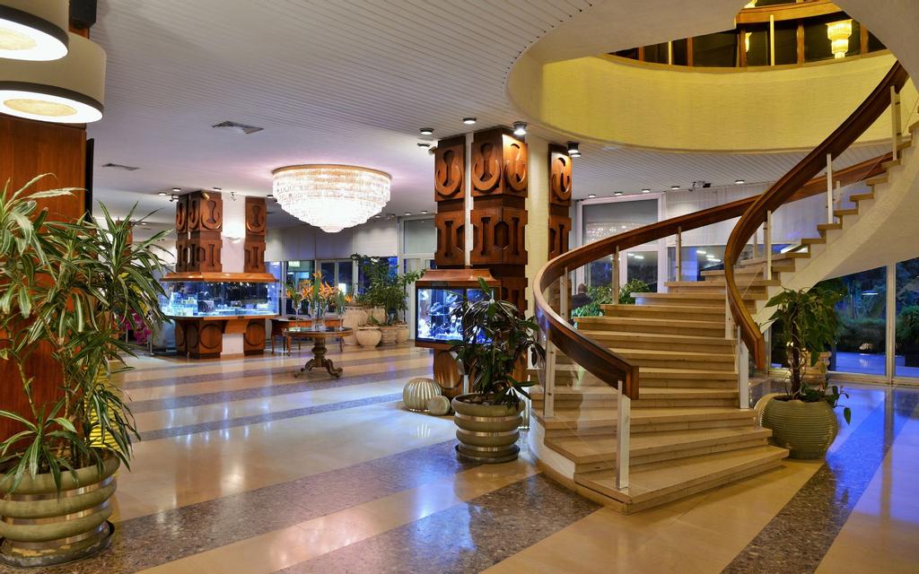 Carlton Hotel, Analamanga